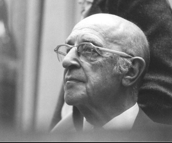 carl rogers biography Carl rogers 1902-1987 carl rogers was a humanistic psychologist who is most known for his approach to psychological treatment and his belief in.