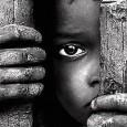 Carne da cannone. E' l'ultimo capitolo della tragedia dei profughi in Libia. Decine, centinaia di giovani fuggiti dal Corno d'Africa o dall'Africa sub sahariana vengono sequestrati da miliziani delle varie fazioni in lotta e costretti a trasportare in battaglia armi, munizioni e […]
