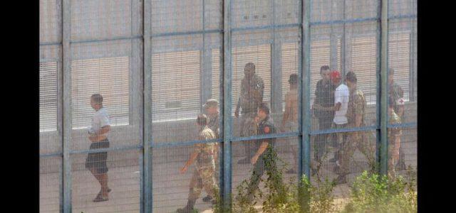 Sono spariti. Nessuno sa che fine abbiano fatto i 40 sudanesi bloccati dalla polizia a Ventimiglia, nel centro della Croce Rossa, e rimpatriati di forza con un volo speciale partito da Torino Caselle per Khartoum a fine agosto. Del gruppo iniziale di […]